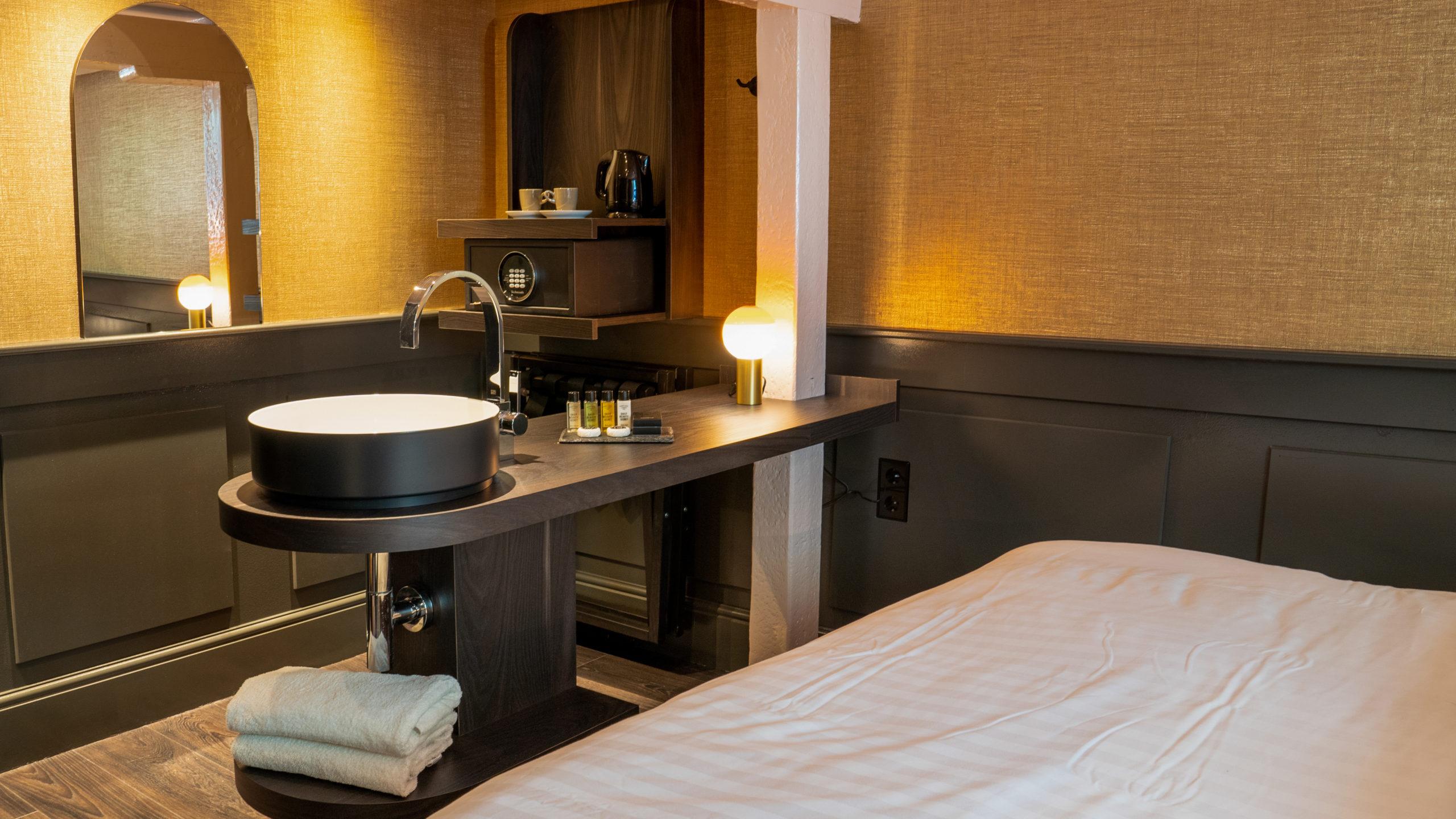hotel_1666_thorbecke_jeroendenijs_bni_amsterdam_suite_boutique_island