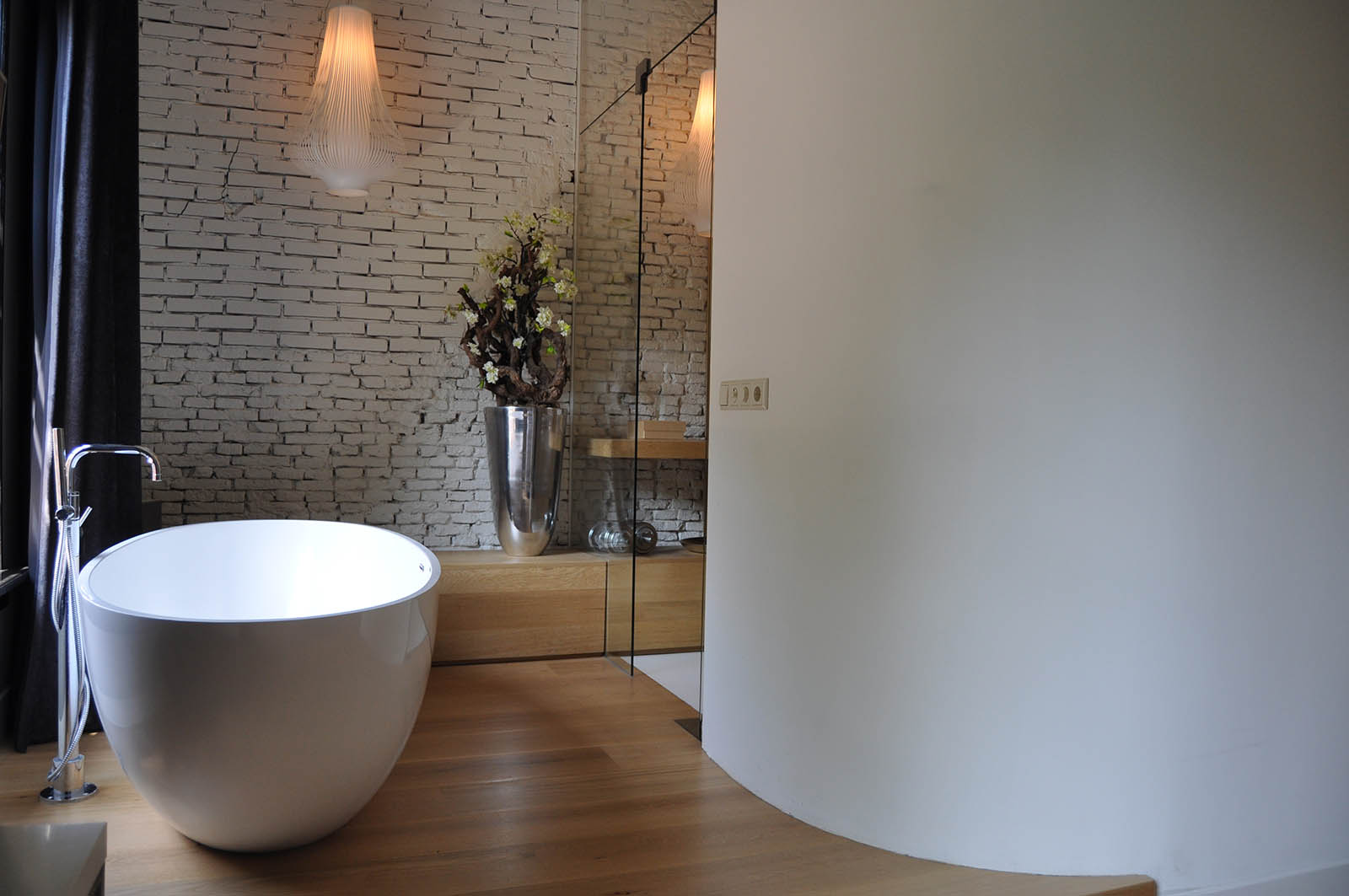bathroom ,monumental mansion, jeroen de nijs