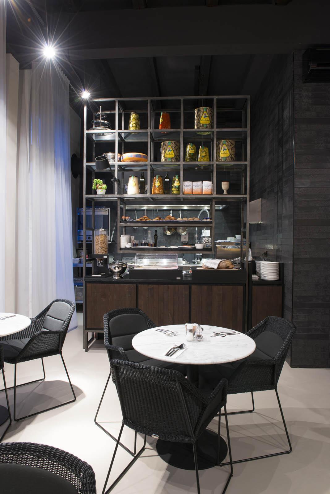 Kitchen, Piet hein hotel, by Jeroen de Nijs