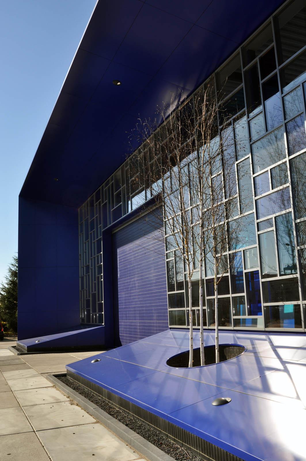 Trees, Office building Intal, by Jeroen de Nijs