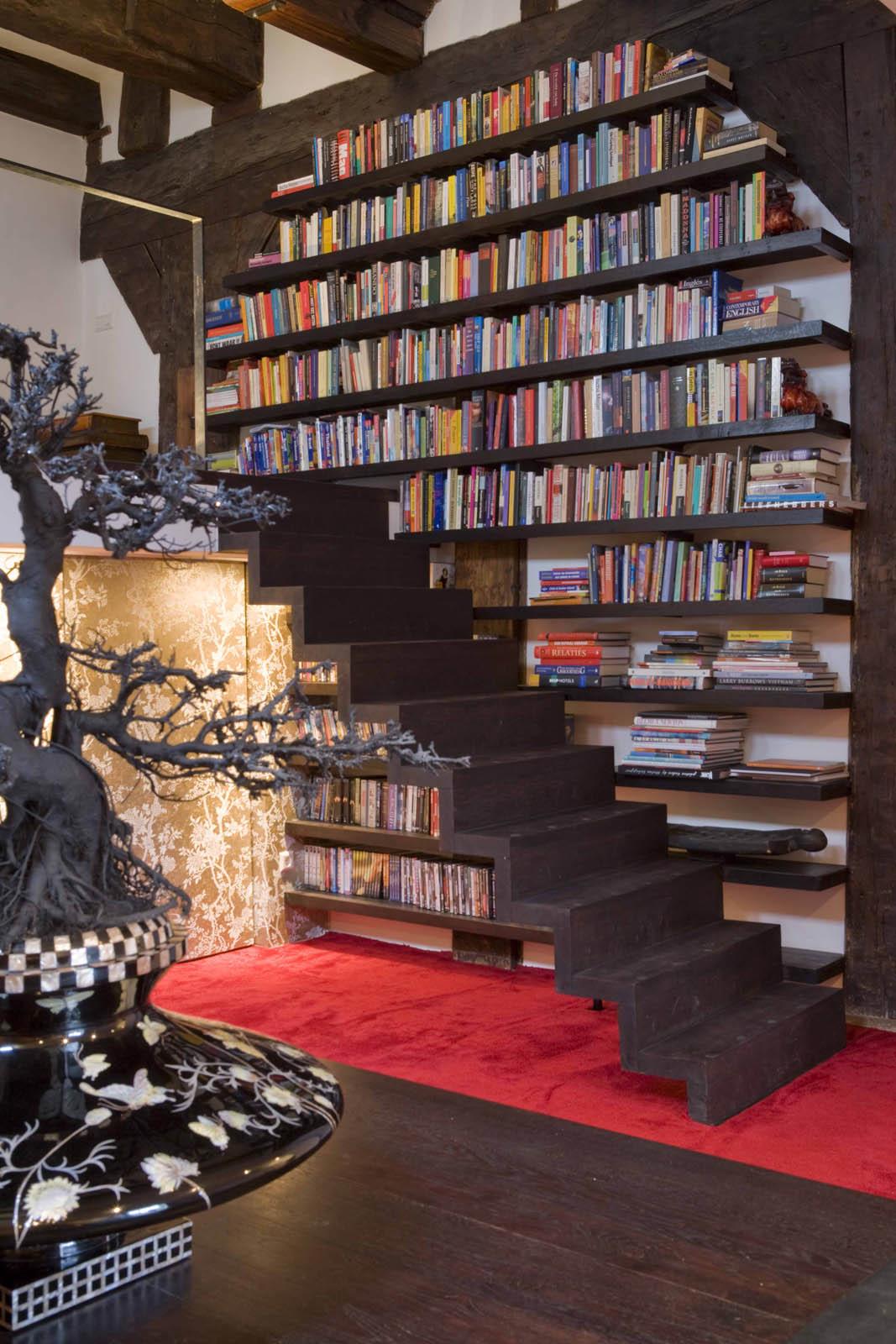 Bookshelf, Loft Amsterdam, by Jeroen de Nijs