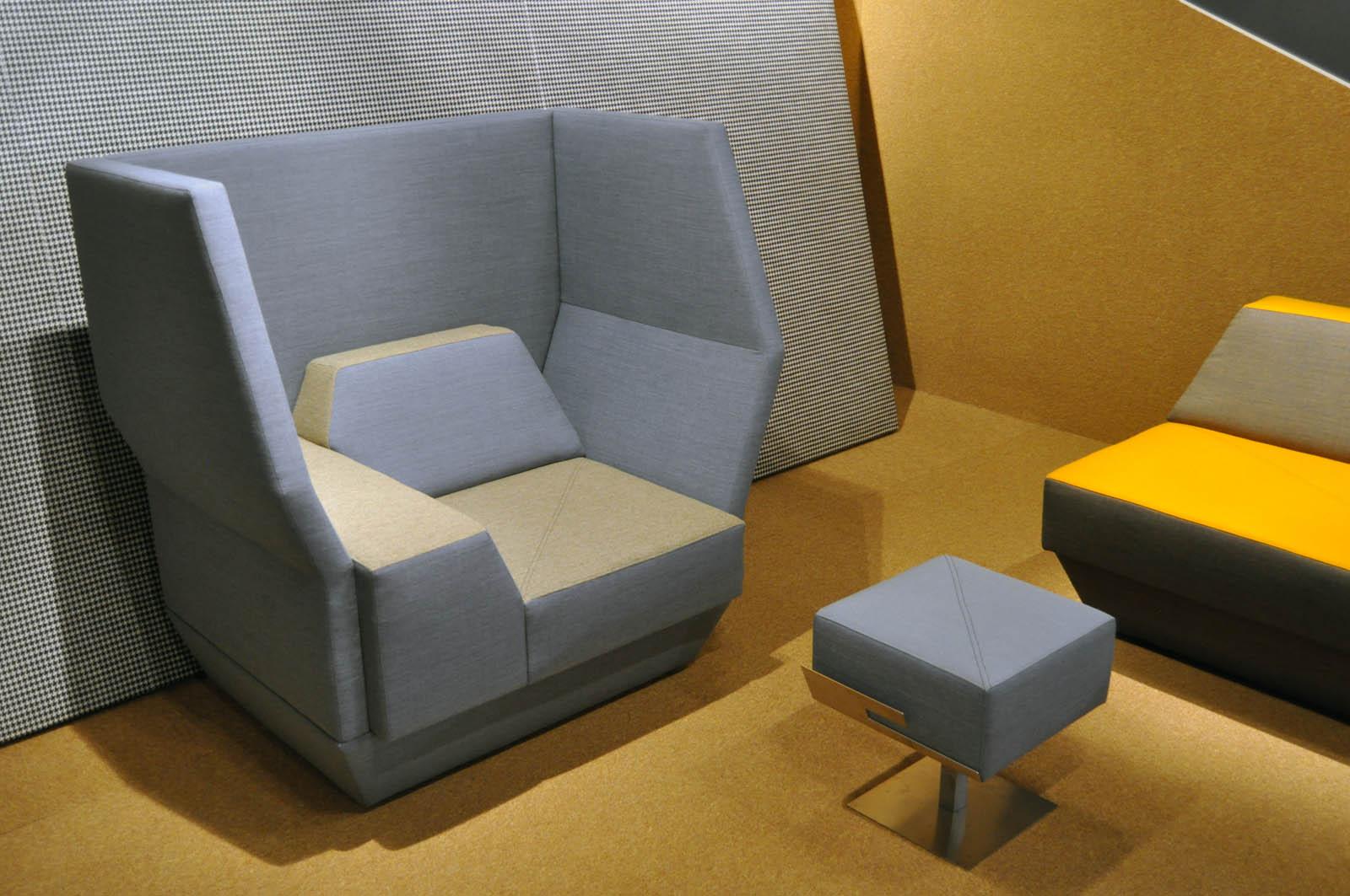 Cross, couch, Jeroen de Nijs