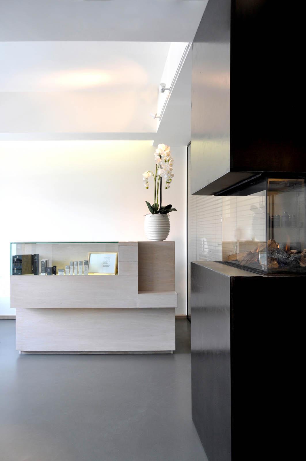 Desk, Beauty salon by Jeroen de Nijs