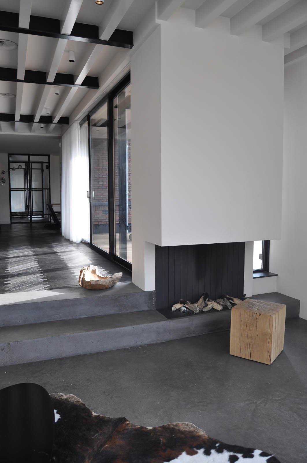 Fireplace, Villa Heiloo, by Jeroen de Nijs