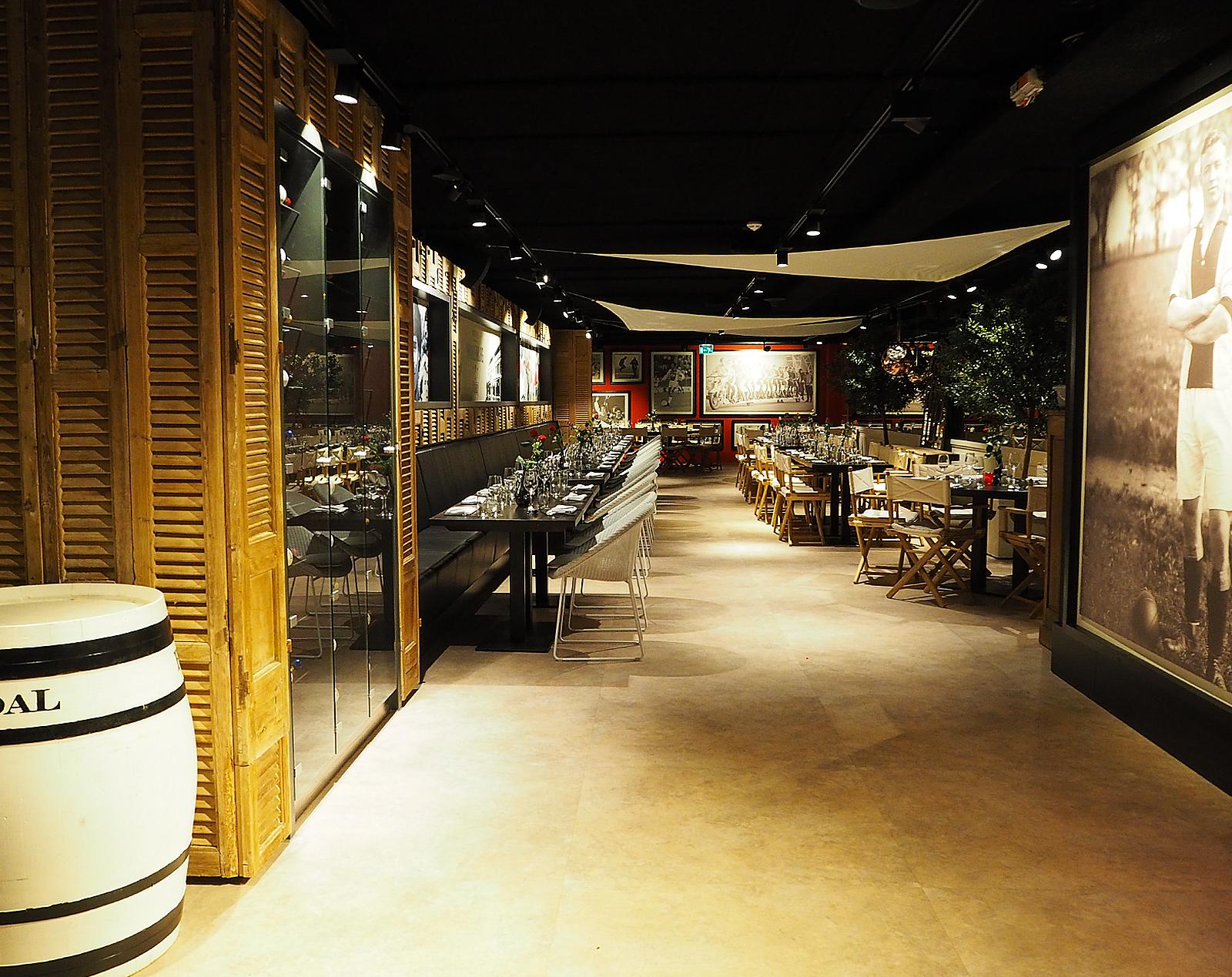 Paardenburg restaurant, Schaduwdoek, Ajax Amsterdam Arena, skybox stadion, by Jeroen de Nijs