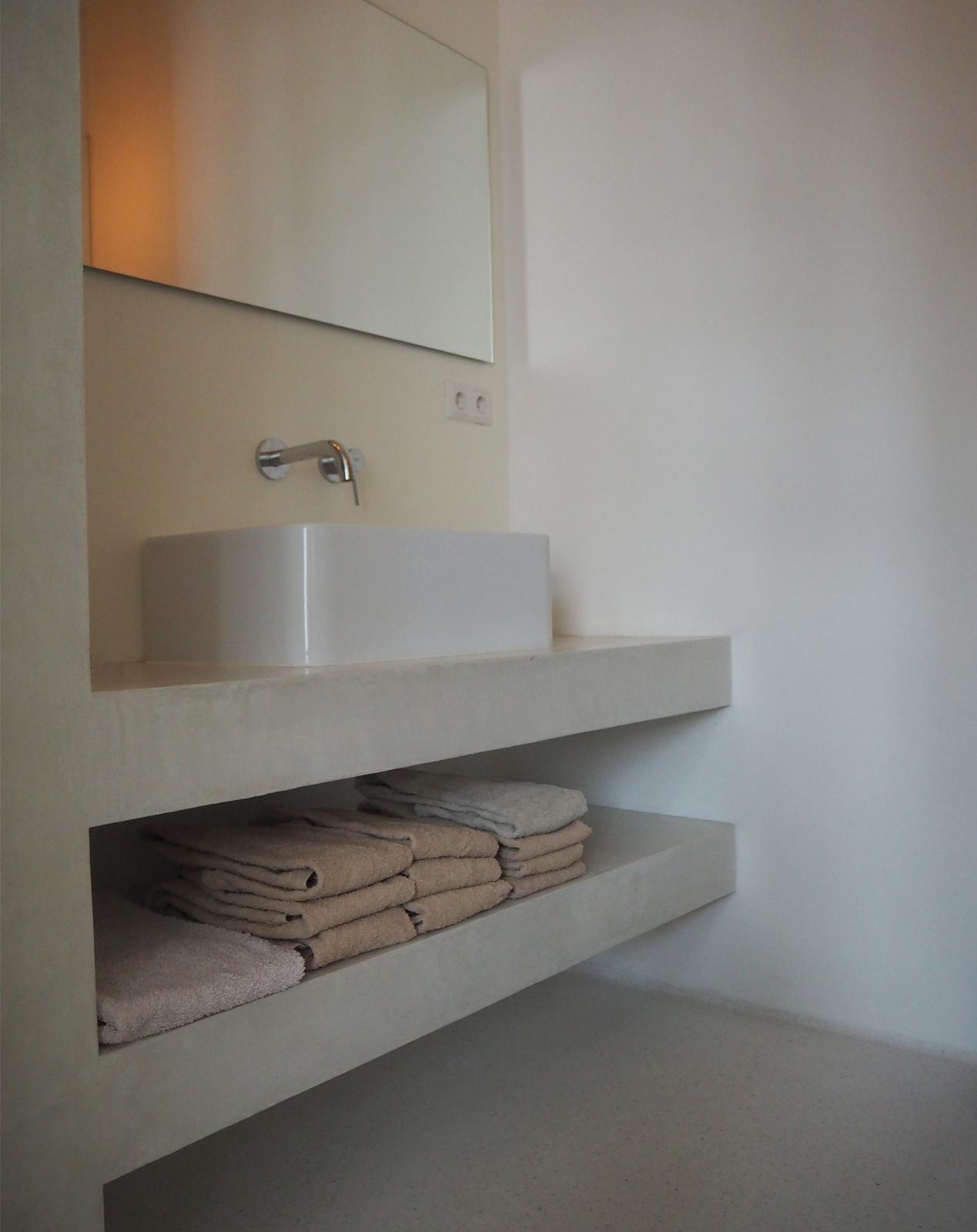 jeroendenijs-piano-bathroom