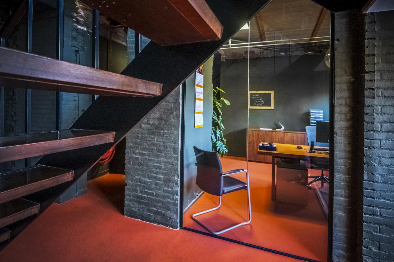 jeroen_de_nijs_braam_office_orange_office_entrance_hallway