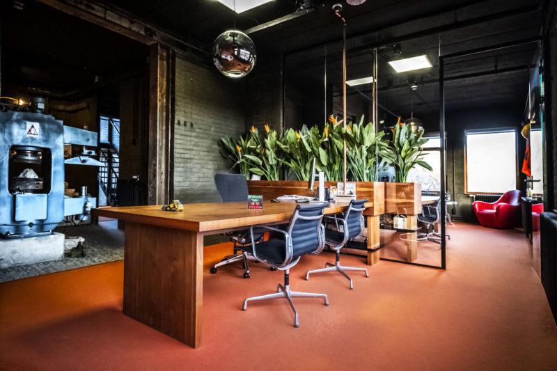 jeroen_de_nijs_braam_office_orange_eames_home