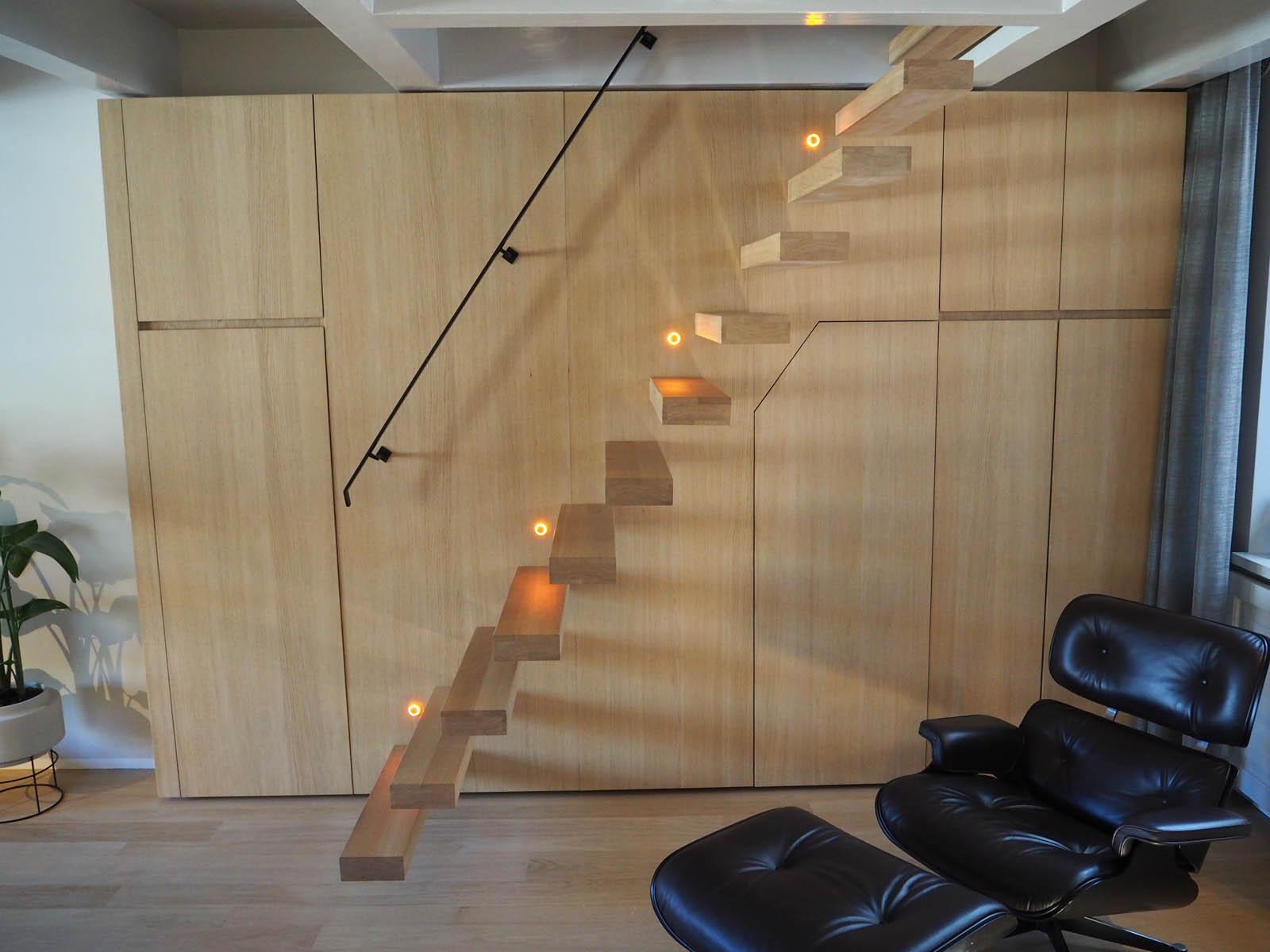 jordaan_amsterdam_grachtenpand_stair_stairs_jeroen_de_nijs_bni