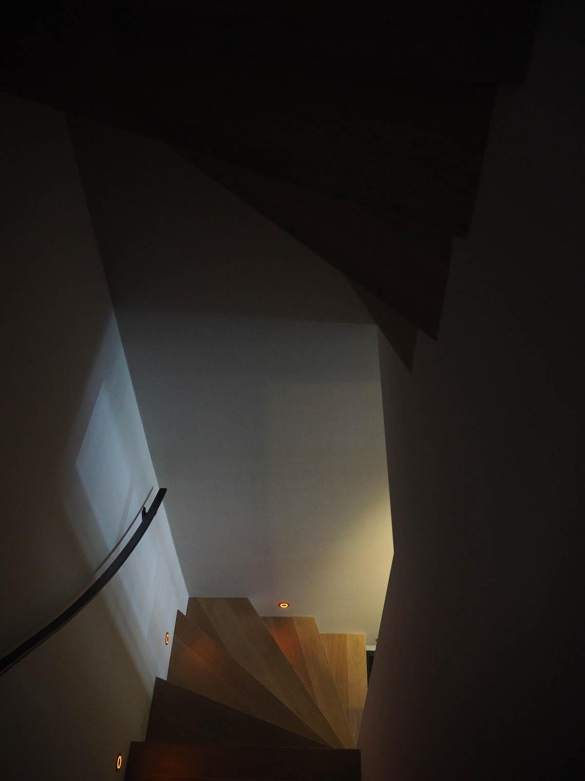 jordaan_amsterdam_grachtenpand_stairway_jeroen_de_nijs_bni