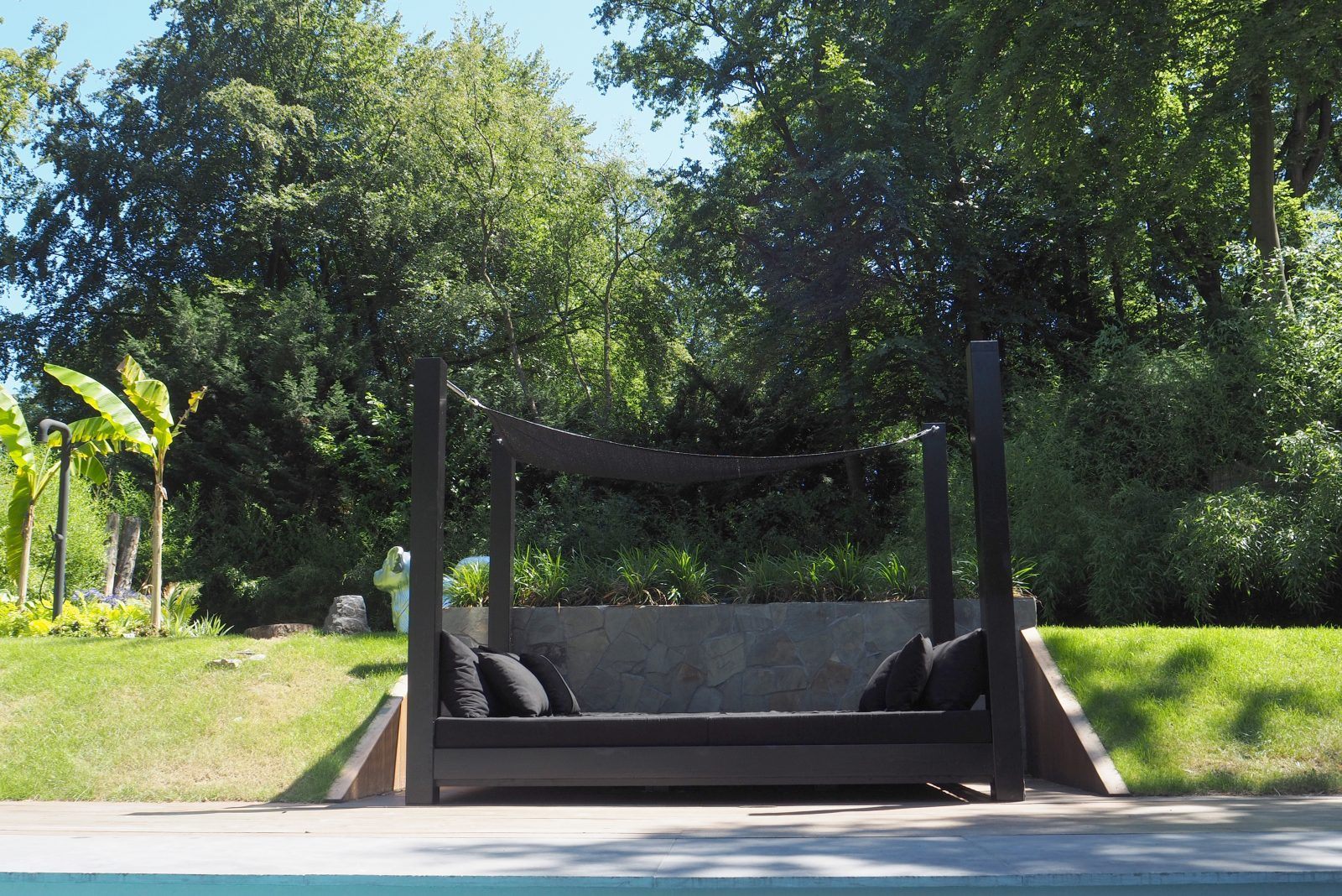 jeroen de nijs bni balibed design oak black sun relax front pool