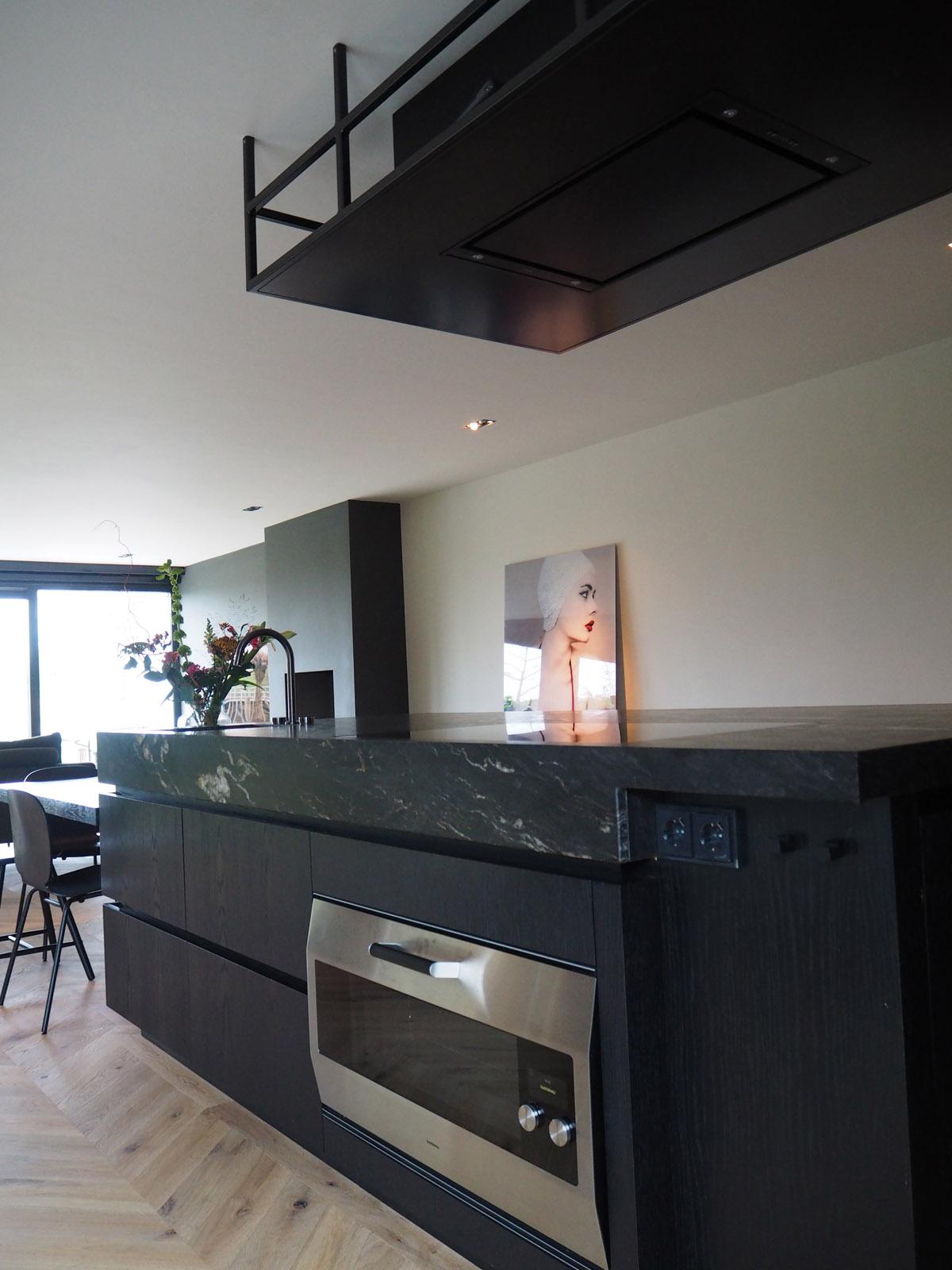 jeroen_de_nijs_ijburg_marble_kitchen_gaggenau