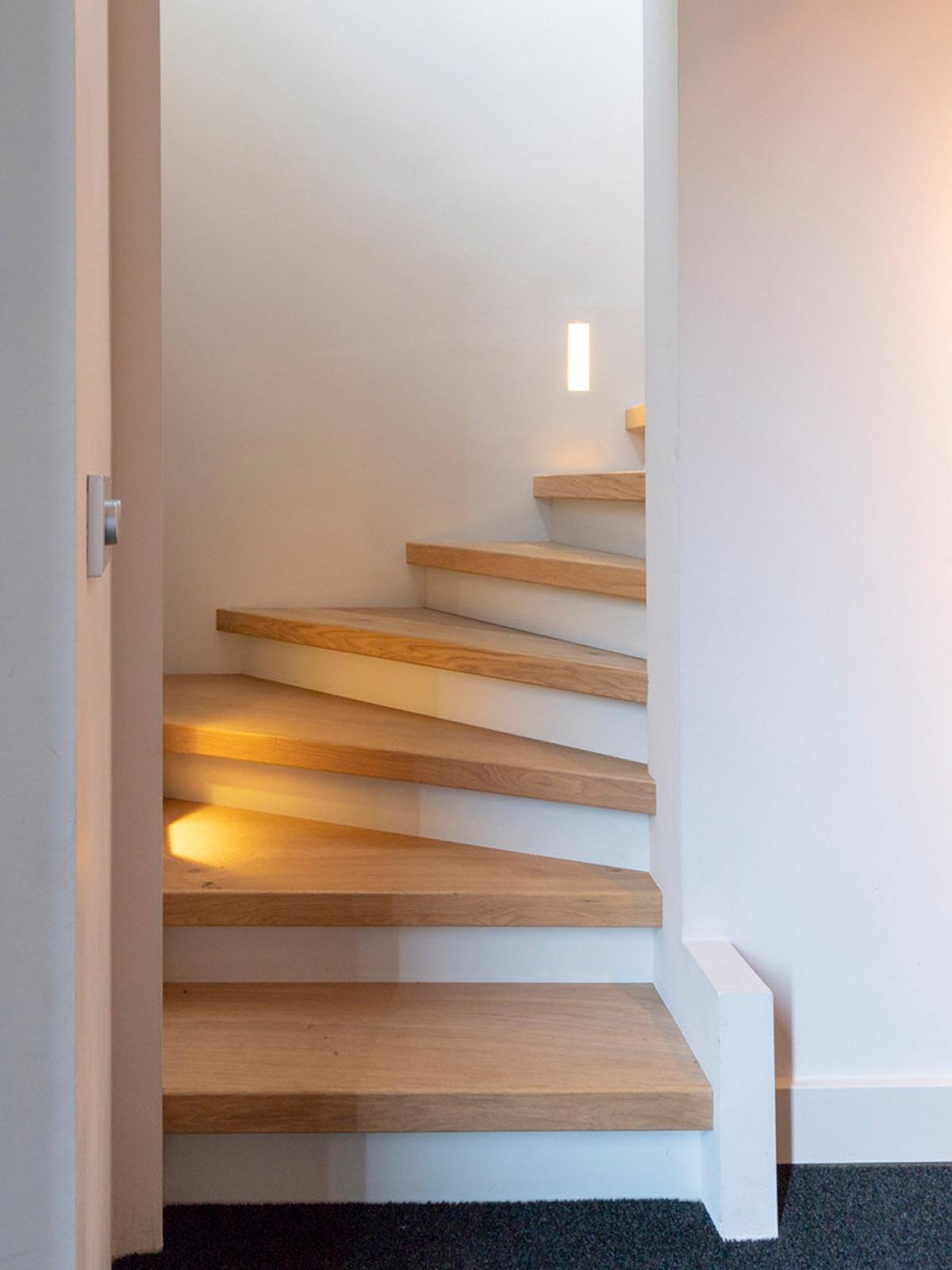 jeroen_de_nijs_ijburg_living_stairs_bathroom