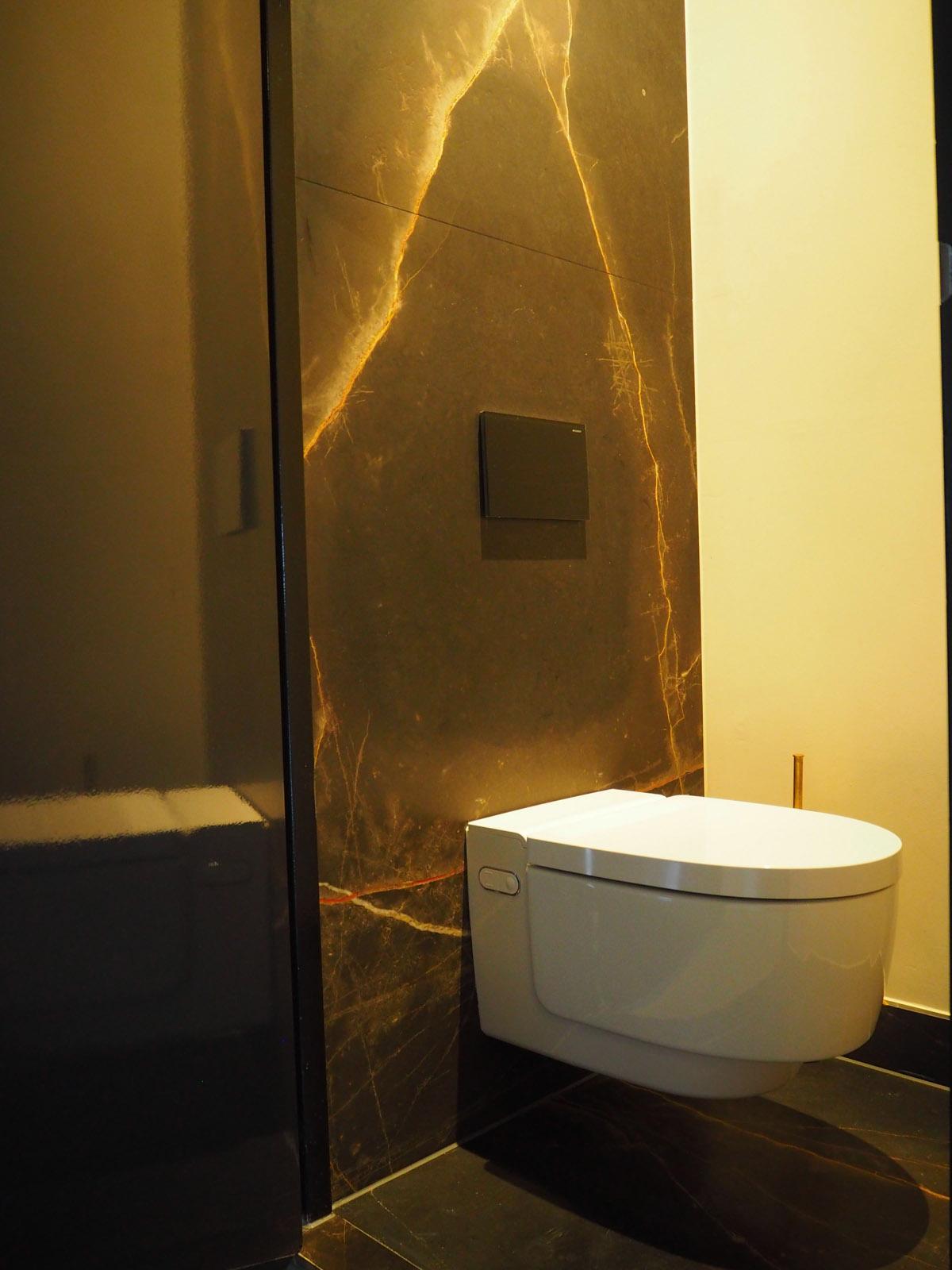 jeroen_de_nijs_ijburg_marble_toilet