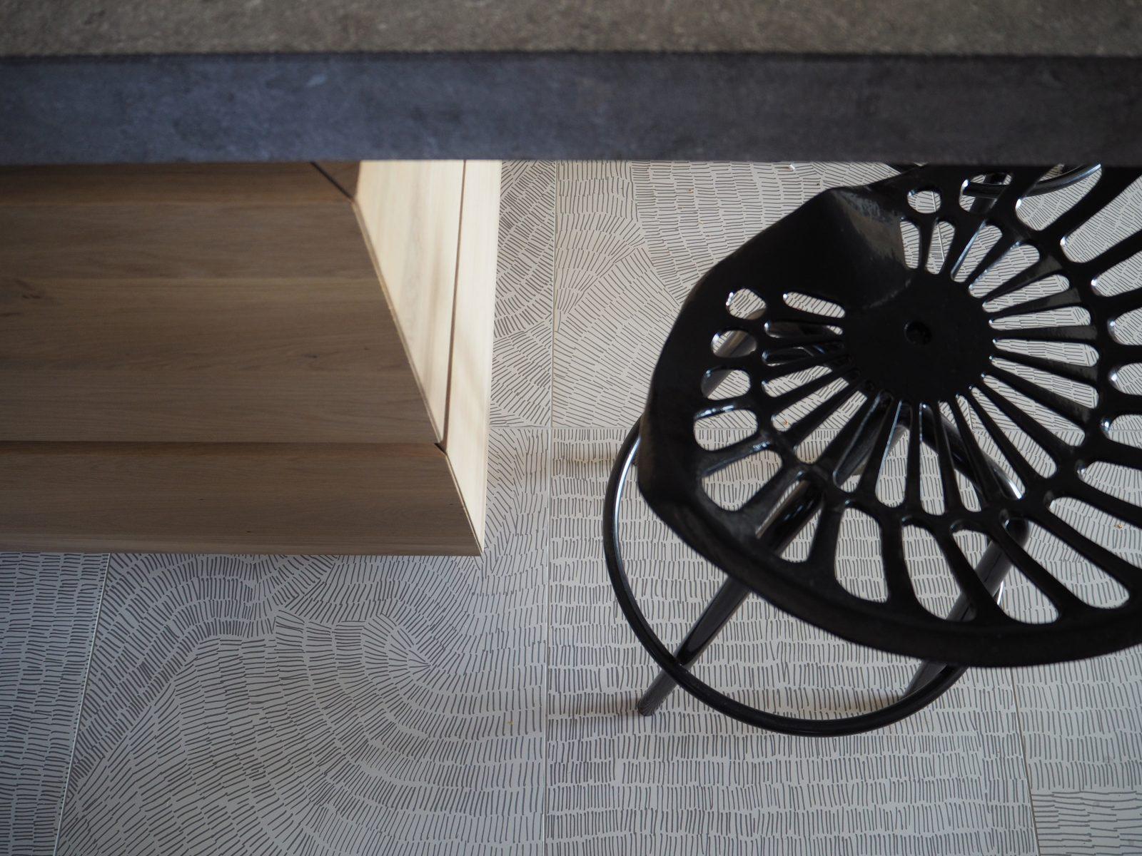 barstool_topview_kitchen_marble_brickwall_jeroendenijs_detail