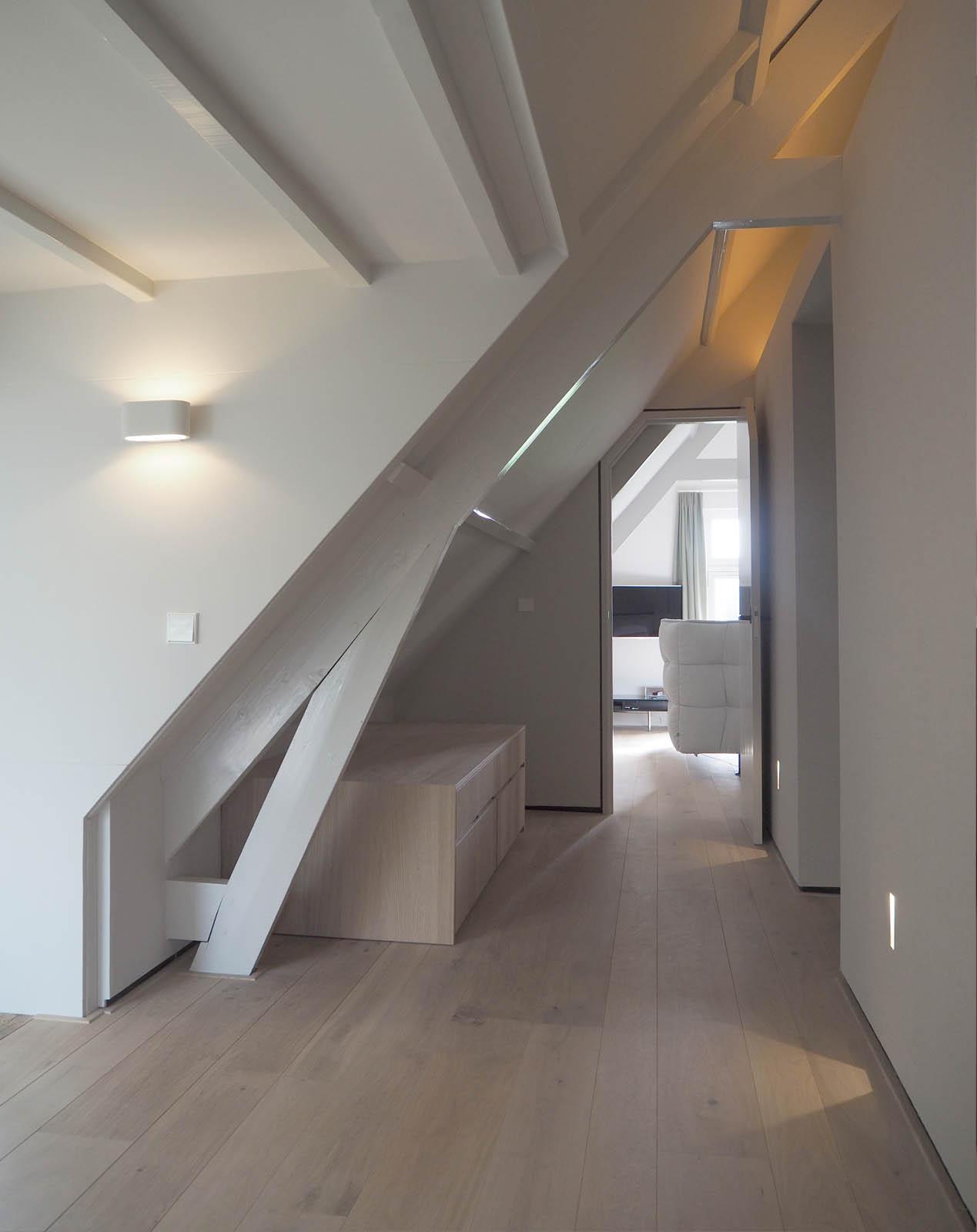 hallway_bedroom_view_tv_bed_design_jeroendenijs