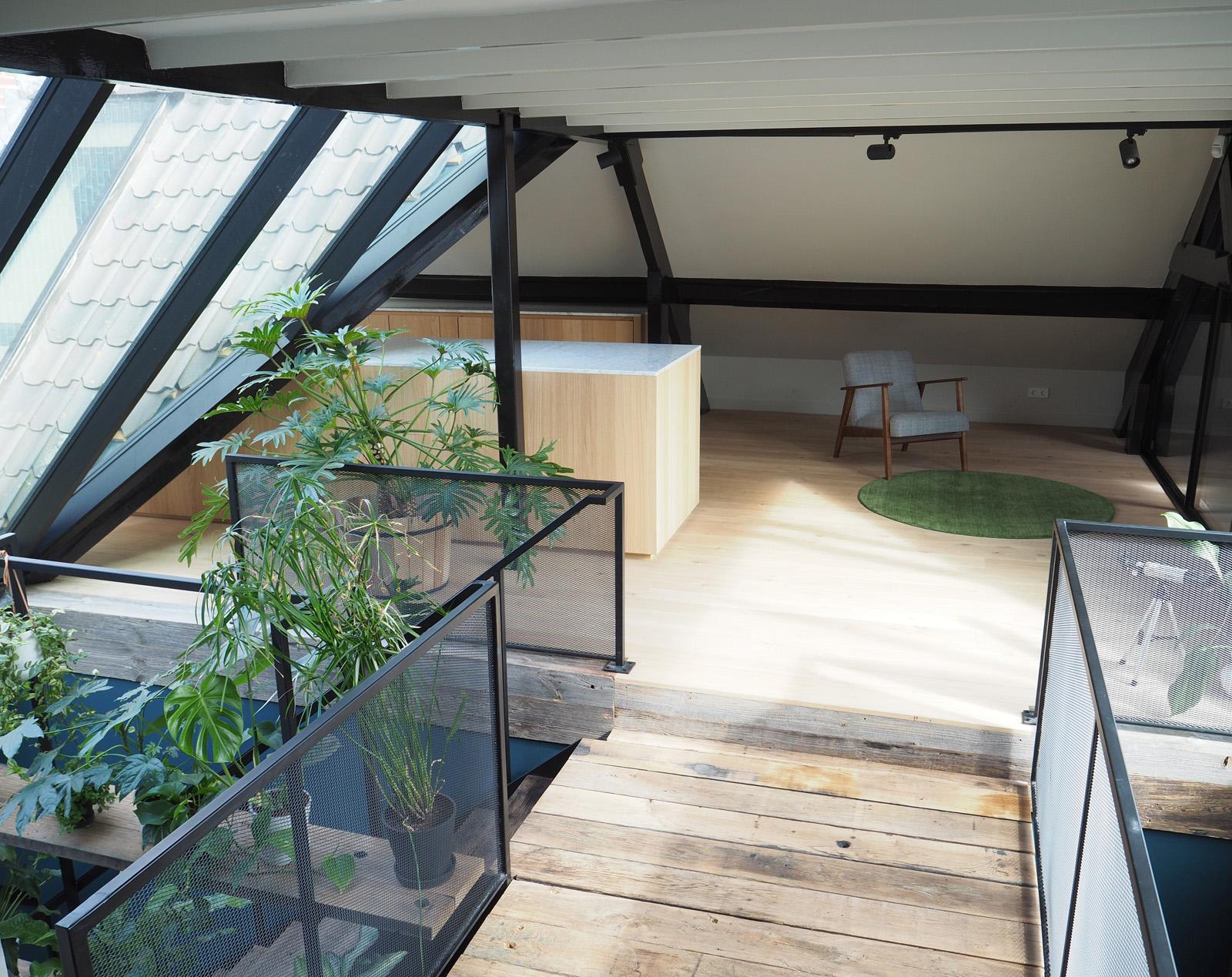 overloop_modern_glasconstructie_jeroendenijs